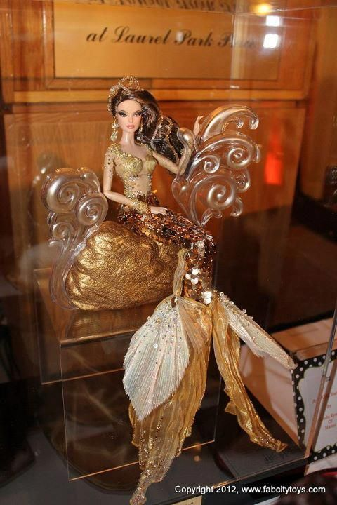 OOAK Mermaid Barbie 2012 by Linda Kyaw for the GAW (Grant a Wish Convention) 2012 Auction.  Gorgeous