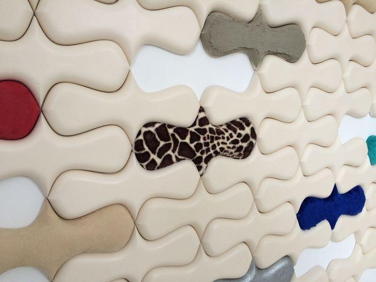panele malowane, lakierowane, pokryte materiałem obiciowym.