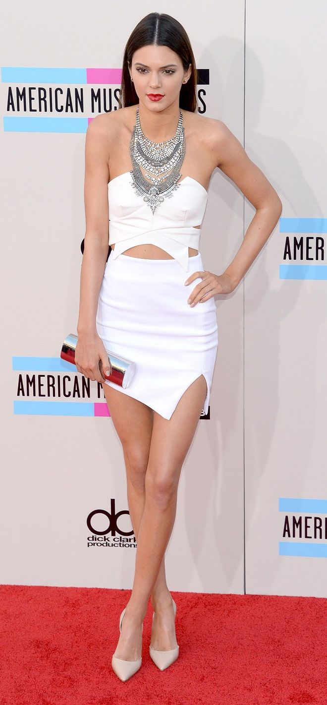 Kendall Jenner at the 2013 AMAs in Keepsake and Manolo Blahnik