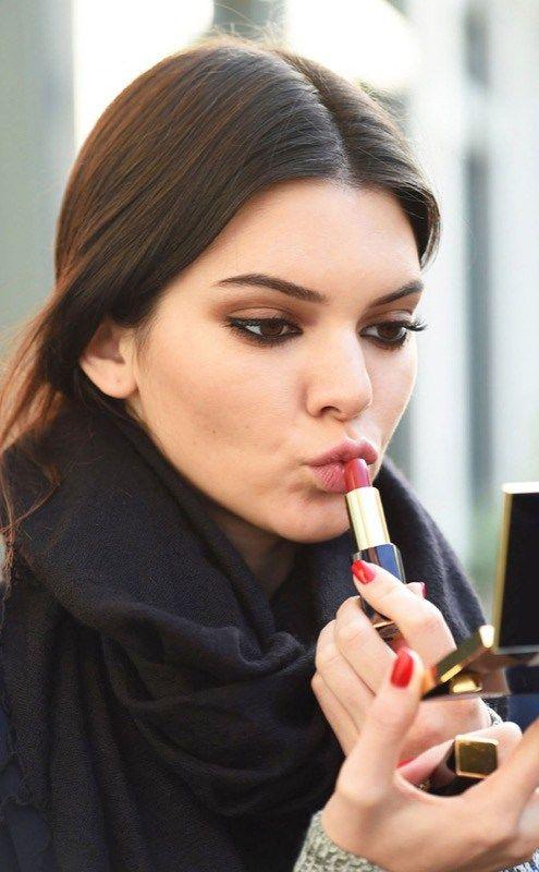 ClioMakeUp-trucco-occhi-labbra-migliori-2015-idee-ispirazioni-Kendall-Jenner