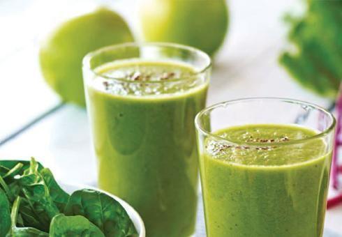 Zelené smoothie s jablkom a špenátom