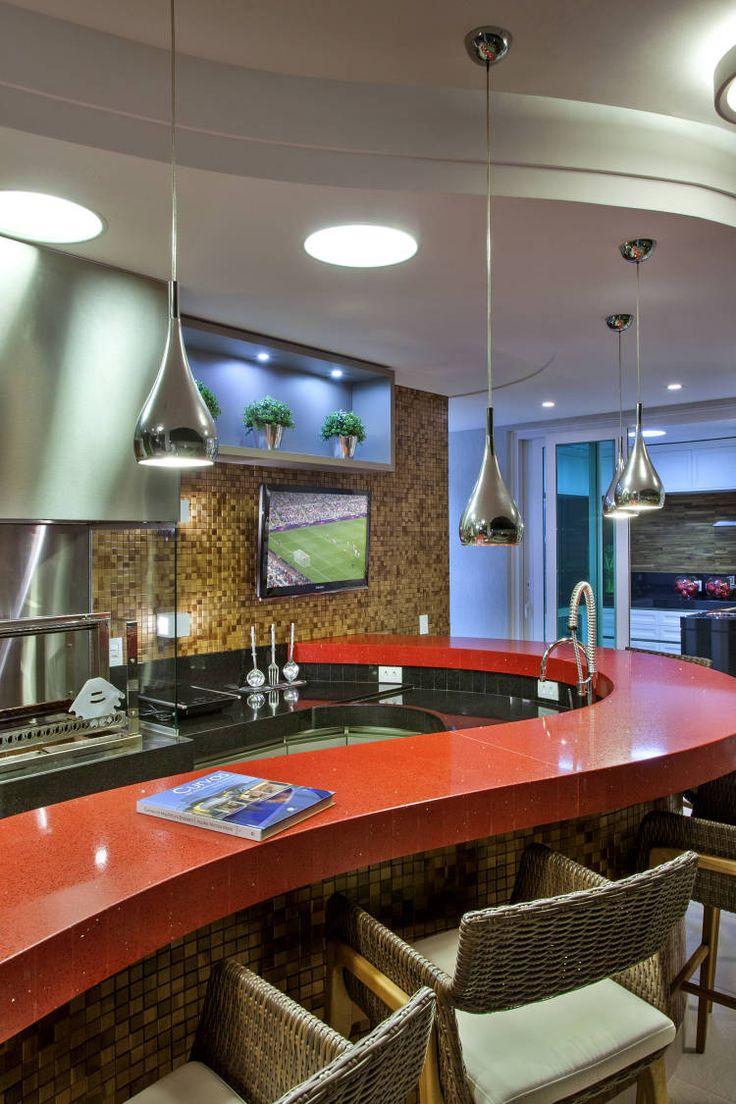 Casa de andar com fachada moderna e ambientes maravilhosos - entre e conheça!