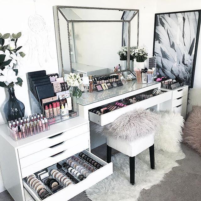 Ikea That S Gorgeous Makeupvanity Makeup Room Design Stylish Bedroom Makeup Room Decor