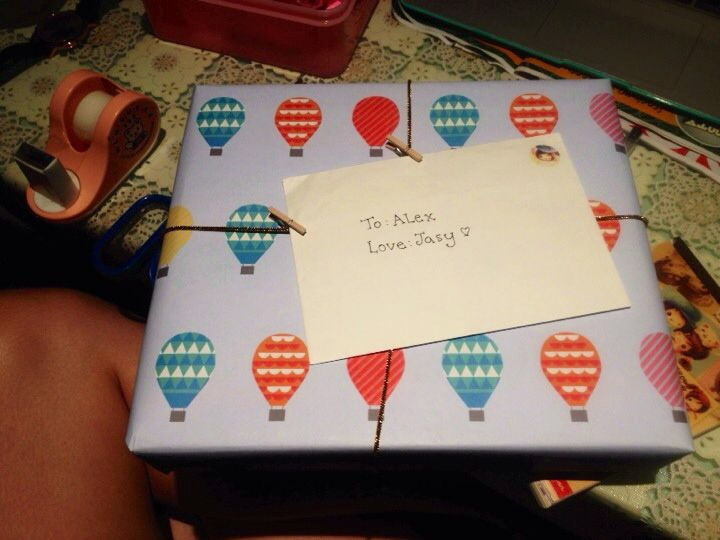 To one of my bestest friends <3  Used Kiki-k wrapping paper and bought a personal planner from the store!  thank you to the employee who gave me the peg and string idea ;)