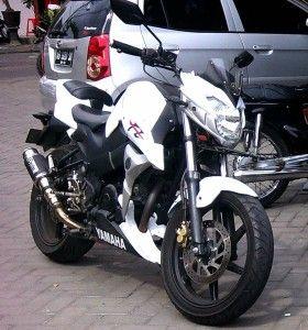 Yamaha Byson Bergaya Street Fighter 2