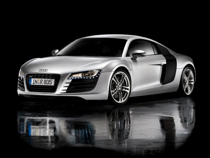 The Amazing Audi R8 - Looks very much like the elusive Bugtti Veyron.