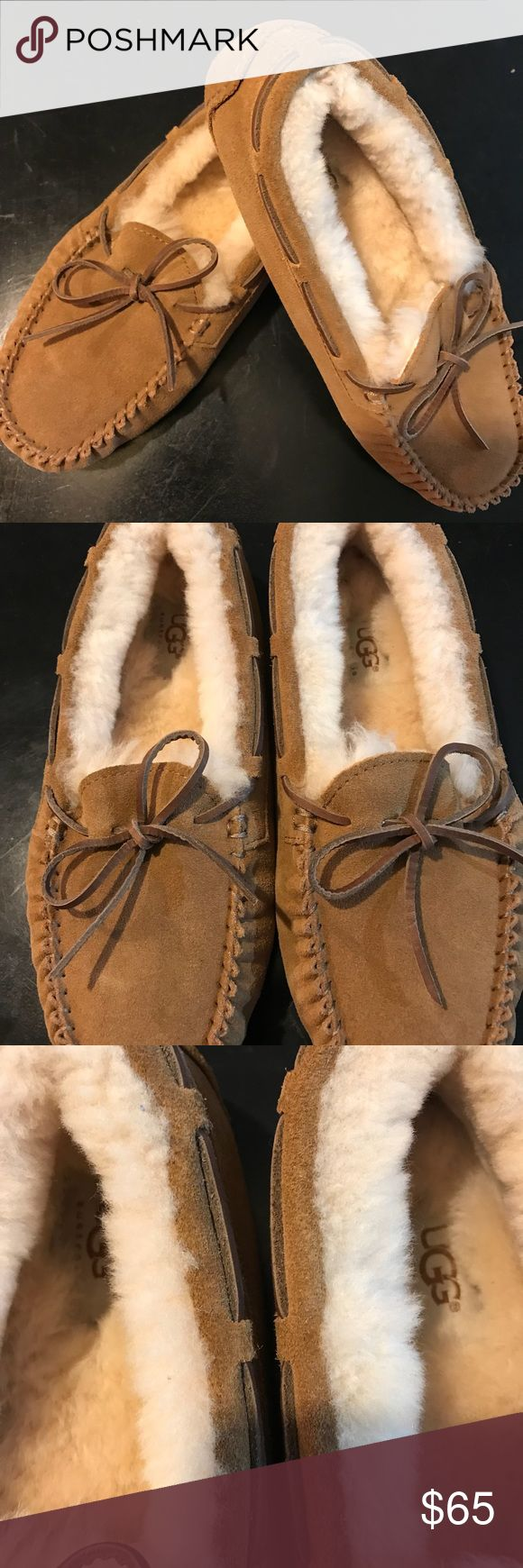UGGS Moccasins women Uggs Dakota women's sheepskin slippers size 5! Worn once indoors. Excellent condition 🔥🔥🔥 uggs Shoes Moccasins