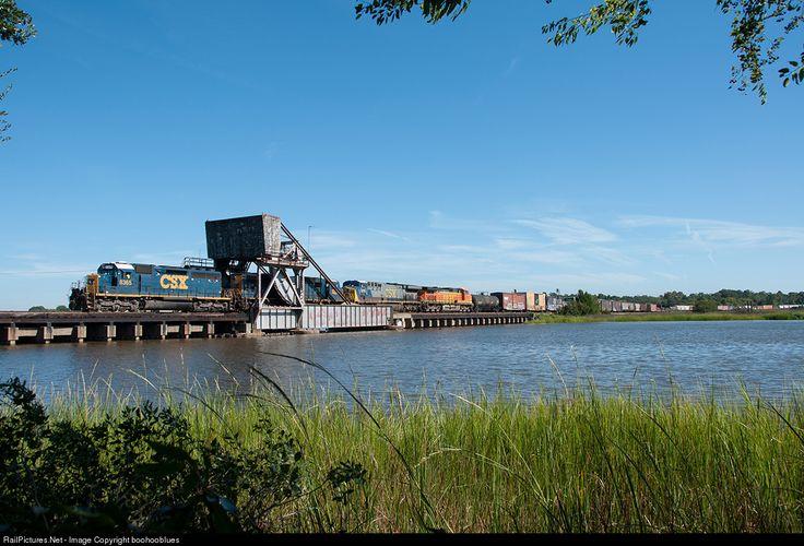 RailPictures.Net Photo: CSXT 8365 CSX Transportation (CSXT) EMD SD40-2 at Charleston, South Carolina by boohooblues