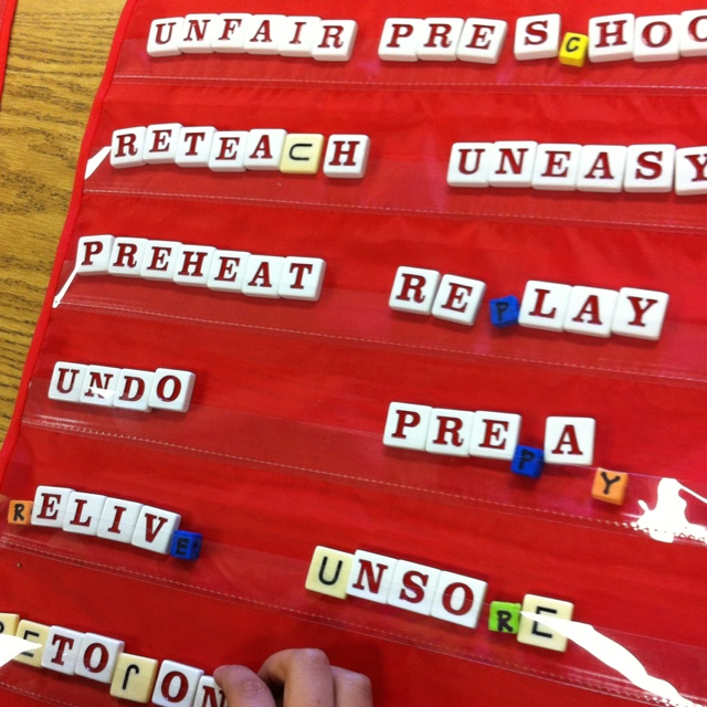 How I finally used those cheap pocket folders... Build-a-word with bananagrams.Elementary Education, Teaching, Schools, Education Ideas, Pocket Charts, Ele Reading, Class Reading, Libraries Center, Cheap Pocket