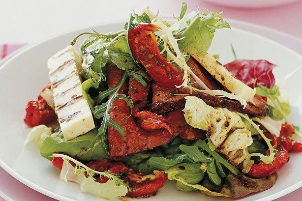 Beef & haloumi salad