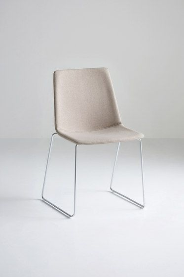 Akami chairs are some of the most reliable, comfortable and stackable chairs in the Gaber collection. The ergonomic and stylish research encapsulates in a few essential features a sophistication and c…