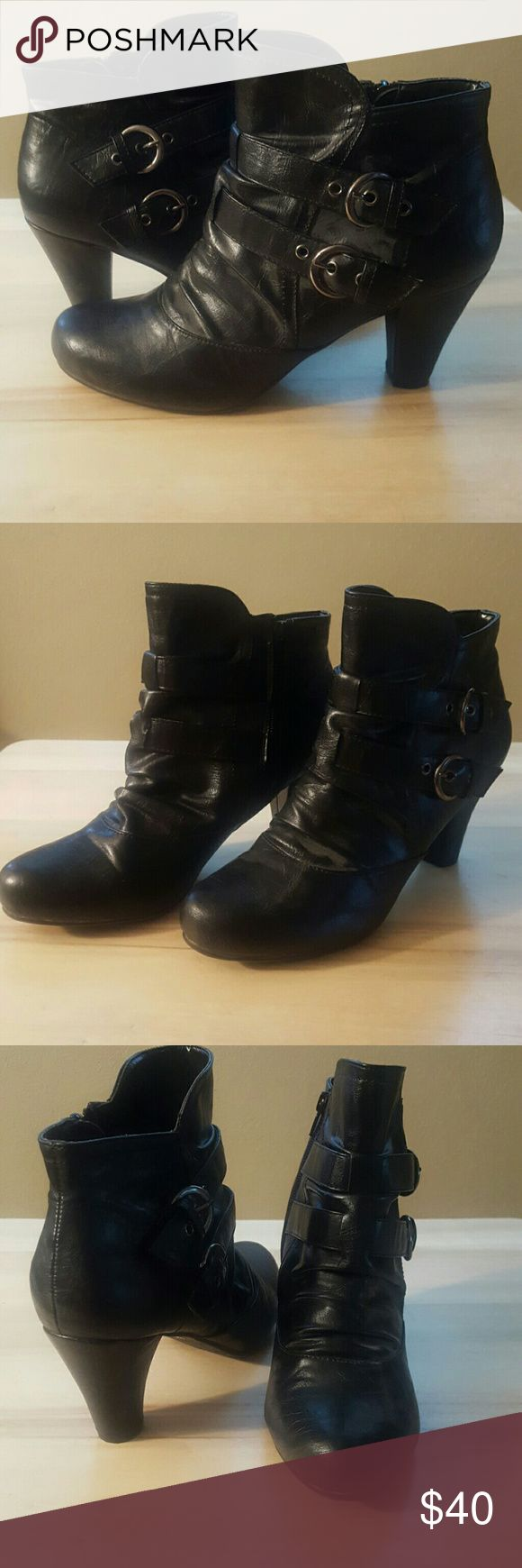 "Black Ankle Boots Hot Kiss black zip up ankles boots. Size is 9.5. Buckles are silver. Heel is around 2.5"". A small scuff is on one heel but I think it's just adhesive. Worn maybe once but not even for a full day. Hot Kiss Shoes Ankle Boots & Booties"