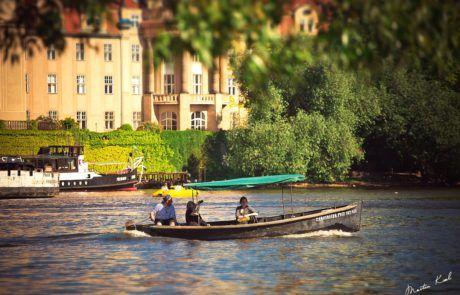Lodička na Vltavě | Boat on the Vltava river