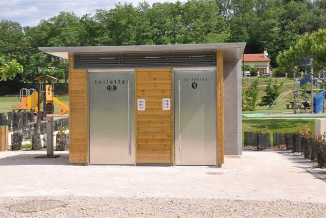 Toilet kiosk / outdoor / for public areas SANICABINE 445 Francioli Creation
