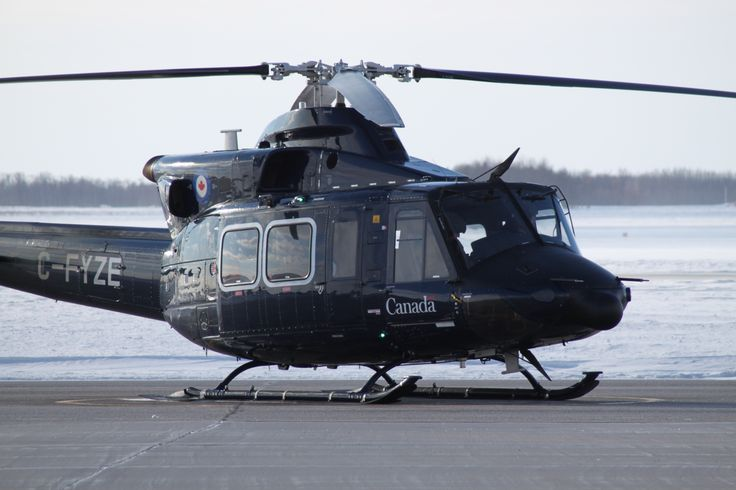 The Bell 412 helicopter introduces rotary wing pilot candidates to the world of advanced twin-engine helicopter operations. The RCAF flies the military pattern of this helicopter under the name CH-146 Griffon. PHOTO: DND