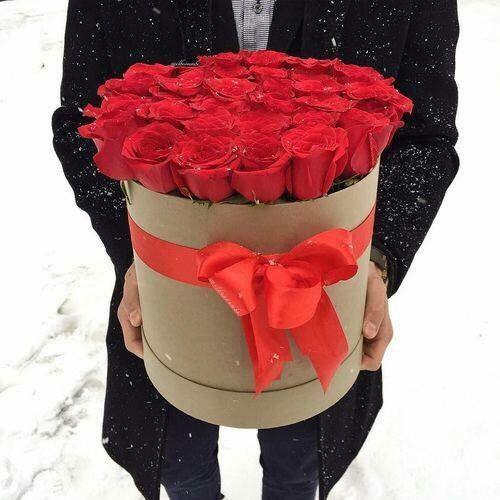 Men love red