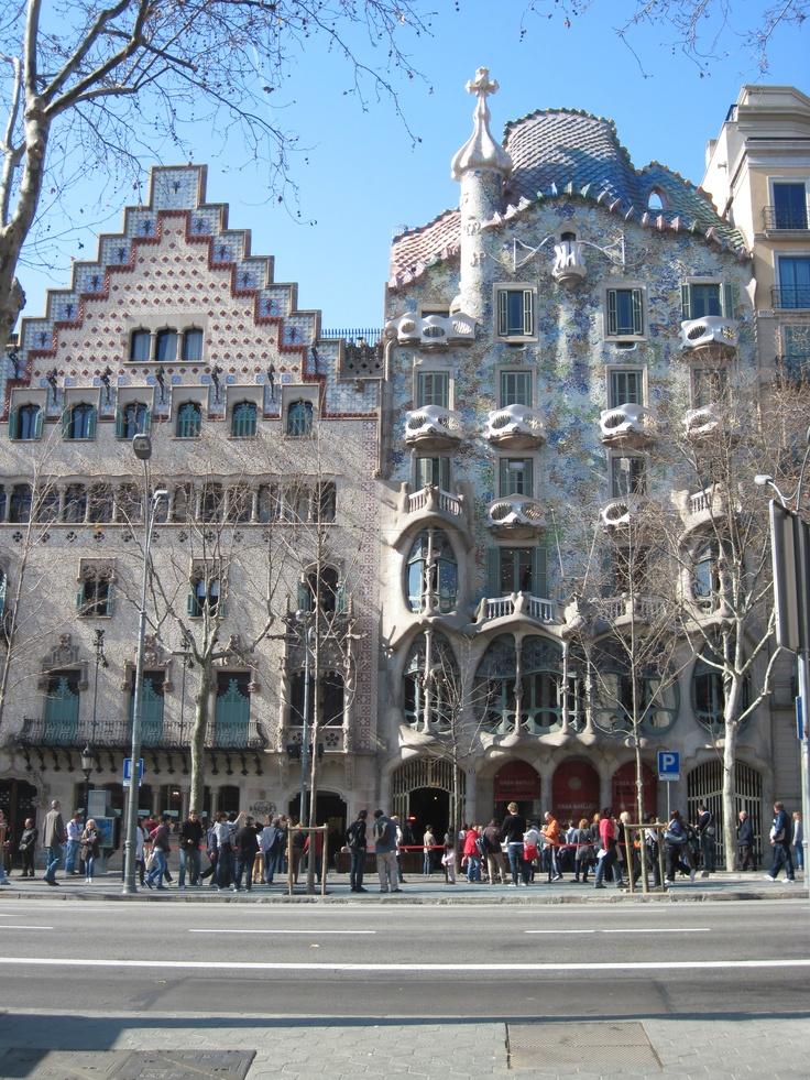 gaudi architecture in barcelona spain buildings pinterest. Black Bedroom Furniture Sets. Home Design Ideas