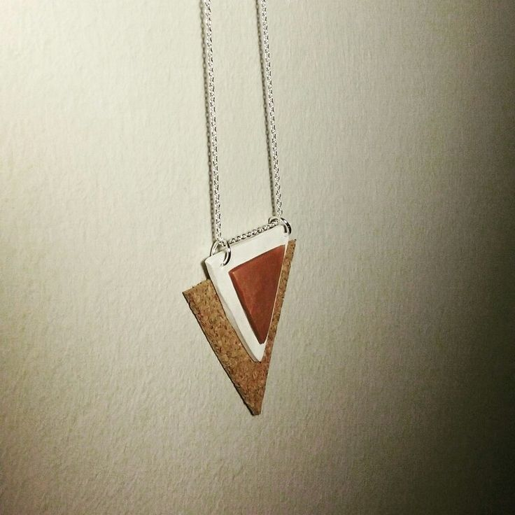 Jewels. Pendant with copper chain, polymee clay and cork