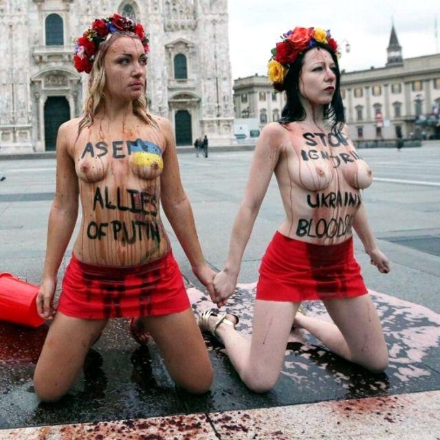 #Femen in piazza Duomo a #Milano
