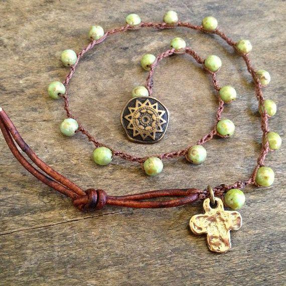 Rustiek bronzen kruis Knotted Multi Wrap Boho deur TwoSilverSisters