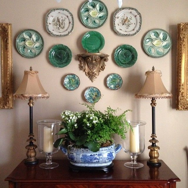 Majolica plates and oyster plates on the wall