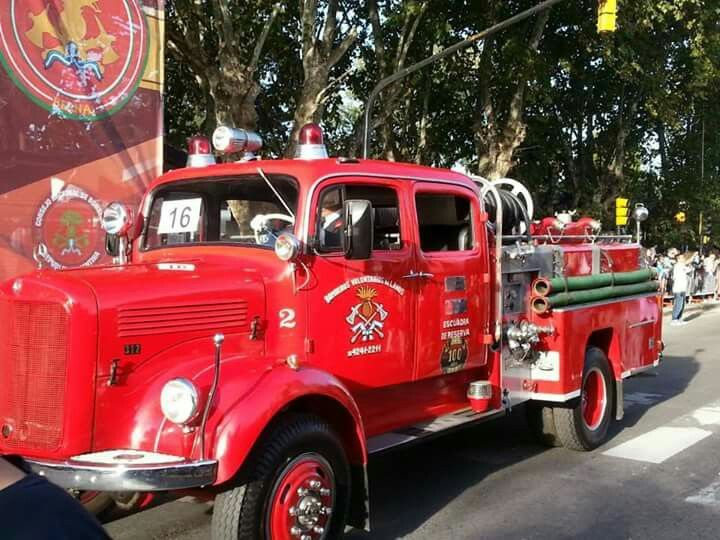357 best images about fire engines on pinterest trucks for Mercedes benz argentina