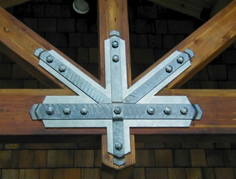Forged Post Amp Beam Accent Snowpack Cabin Ideas Beams
