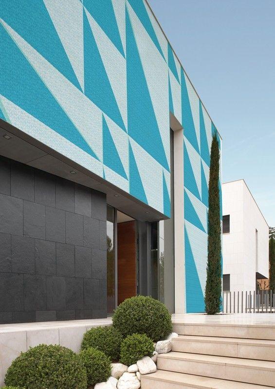 TRI-ANGLE. To purchase: contact RADform at +1 (416) 955-8282 or info@radform.com  #wallpaper #interiordesign #moderndesign #contemporarydesign #radform #architecture #commercial #hospitality