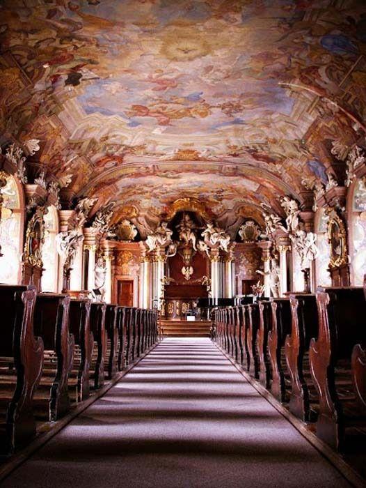 La salle Léopoldine dont les décors sont d'origine - Photo © Laurent Sartre #Pologne