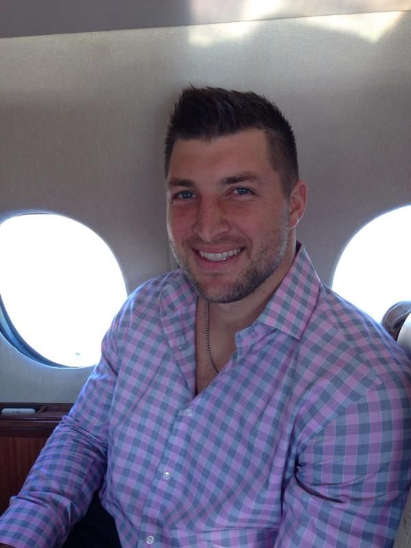 Tim Tebow Returns to Sports Analyst Job After Eagles Departure http://btscelebs.com/2015/09/10/tim-tebow-returns-to-sports-analyst-job-after-eagles-departure/
