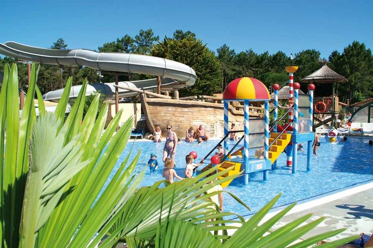 Parc aquatique du camping Le Vieux Port #piscine #aquatique #jacuzzi #toboggan #camping #landes #plages #messanges #campinglevieuxport #vacances