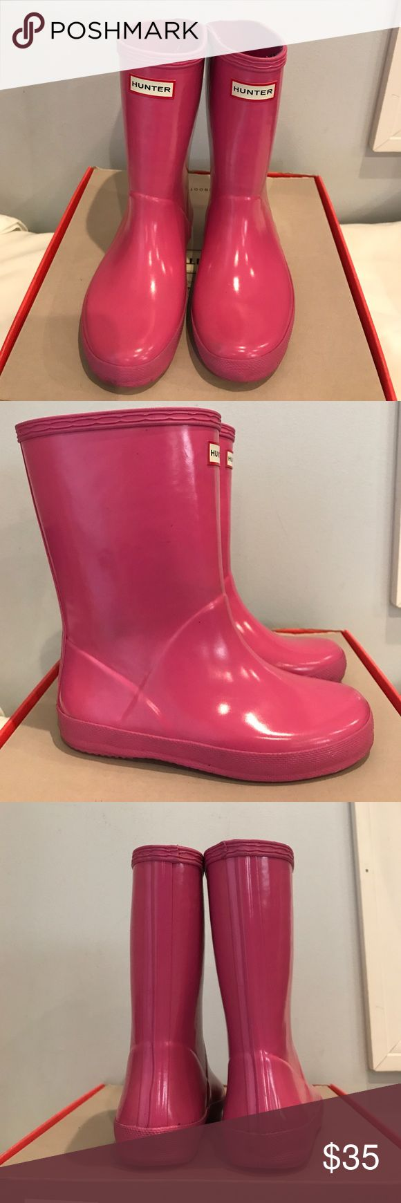 Girls Hunter Boots - Pink Used but in great condition pink hunter rainboots for girls. No trades Hunter Shoes Rain & Snow Boots