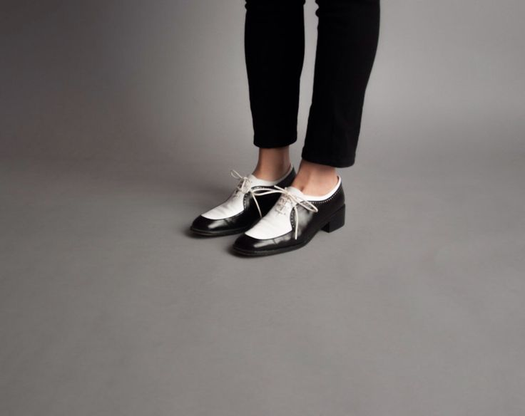 coming soon - STUART WEITZMAN black and white oxfords / two tone brogues / wingtip shoes / 7.5 by persephonevintage on Etsy https://www.etsy.com/listing/226808612/coming-soon-stuart-weitzman-black-and
