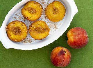 Denny Chef Blog: Pesche cotte con cannella e amaretti