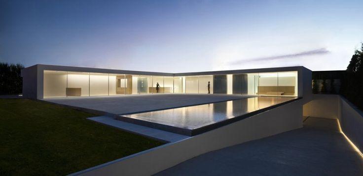 pleaseandthankyou: Atrium Houses, Valencia Spain, Atriumh, Minimalist Architecture, Del Atrio, Fran Wild, Modern Houses, House, Silvestr Arquitecto