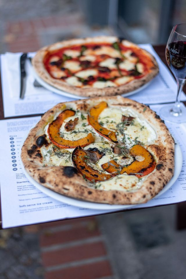 Gazzo Pizza Proves You Don T Have To Be Italian To Make Incredible Pizza Teig Pizzeria Pizza