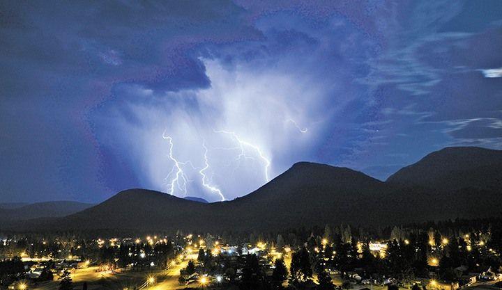 https://www.google.com.au/search?client=firefox-b&dcr=0&biw=1429&bih=692&tbm=isch&sa=1&ei=31IvWueAKsin8QWUtBg&q=East+Kootenays+thunderstorm&oq=East+Kootenays+thunderstorm&gs_l=psy-ab.3...232790.235603.0.235934.13.9.0.0.0.0.672.1080.4-1j1.2.0....0...1c.1.64.psy-ab..11.0.0....0.mMahWqIgMK4#imgrc=4dVP5IGC7qvAGM: