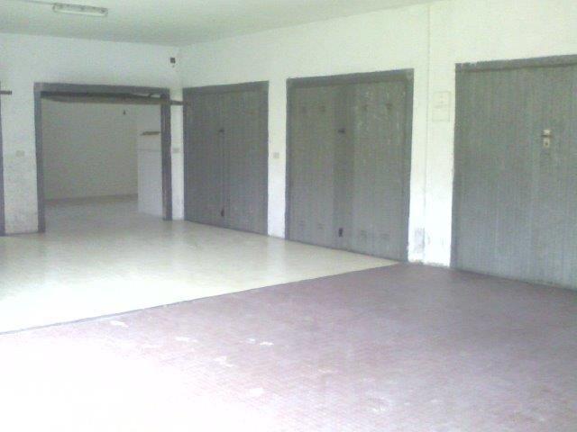72-45 € 26.000,00 #annunciimmobiliari #vendita #forsale #garageinvendita #garageforsale Italia Abruzzo #Montesilvano (Pescara) zona adiacenze Centro, mq 30 circa.
