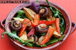 Clean Eating Rezept: Grillsalat mit frischen Gartenkräutern