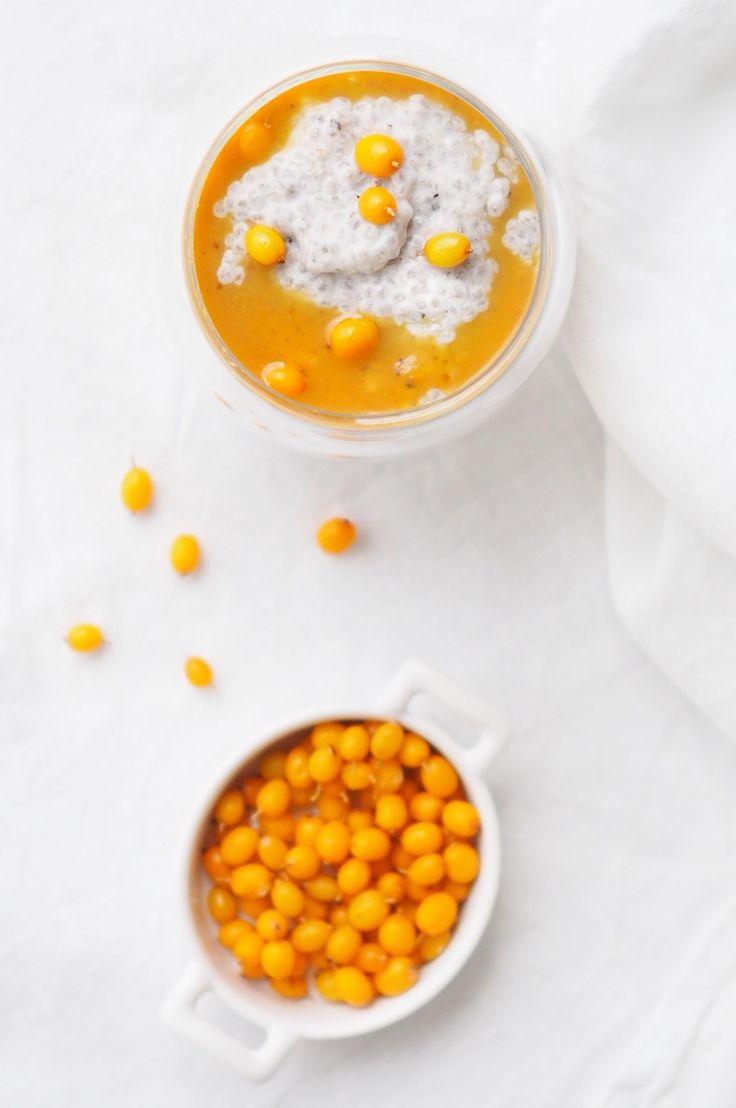 Chia pudding – yummy!!  http://blogit.kauneusjaterveys.fi/rakkaudellakarita/aurinkoinen-chia-vanukas/