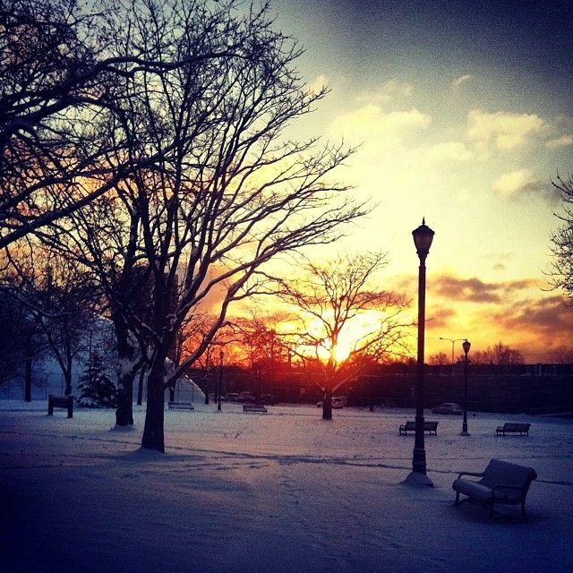 Sunrise on my way to 8 o'clock class. Photo by @lilmisszig via Instagram.