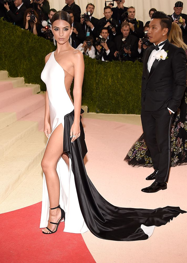 Best (& Worst) Dressed on the 2016 Met Gala Red Carpet | Emily Ratajakowski