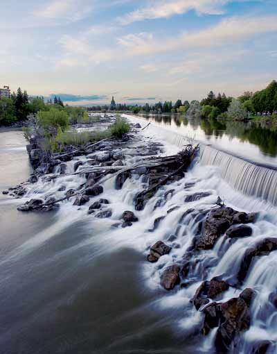 There ARE falls in Idaho Falls, Idaho. And they're splendid. |