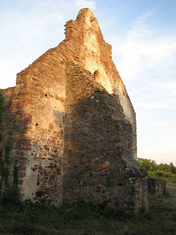 Ecséri templom romjai (Révfülöp közelében 0.1 km) http://www.turabazis.hu/latnivalok_ismerteto_1289 #latnivalo #revfulop #turabazis #hungary #magyarorszag #travel #tura #turista #kirandulas