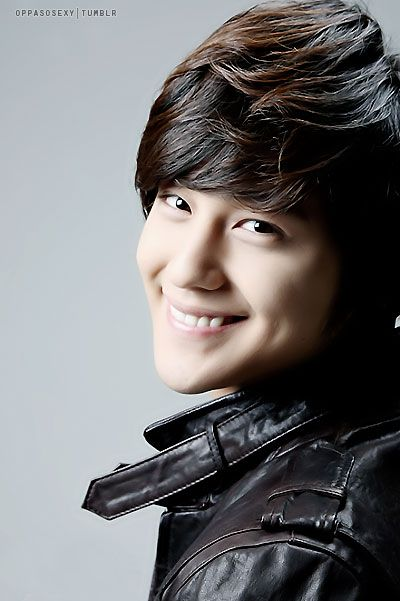 Kim Bum. I have no clue who this guy is, but he's cute. :)정선카지노 PINK14.COM 정선카지노…