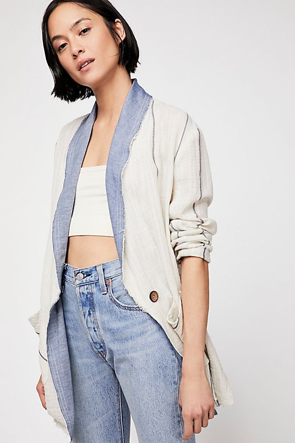 9162da4990c 17 Best Lightweight Summer Jackets You Can Wear Without Sweating Up ...