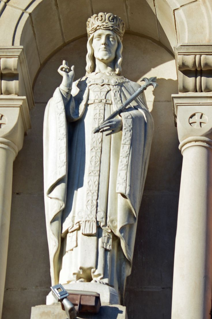 Statue at Christ the King Chapel at Good Samaritan Hospital, Kearney Nbraska