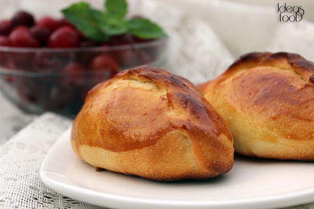 ПИРОЖКИ С ВИШНЕЙ / PATTY WITH CHERRIES Первую скрипку  в этих пирожках играет начинка! Выбирайте сочные ягоды и наслаждайтесь.