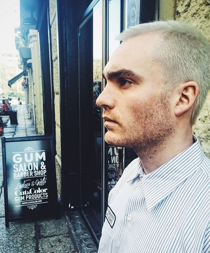 • Bleached Hair • || @mokipony #gumsalon #gumattitude #gumforgents #milan #hairstyle #grunge #bleach #platinum #boys