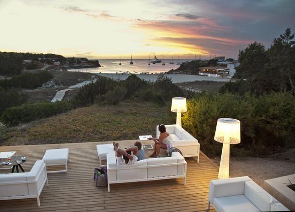 Hotel Cala Saona, Formentera. No hace falta decir lo bonito que es, basta con mira la foto y apreciar las vistas...